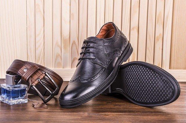 shoes-2593683_640